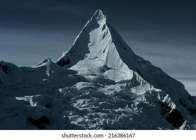 Alpamayo, Cordillera Blanca, Peru