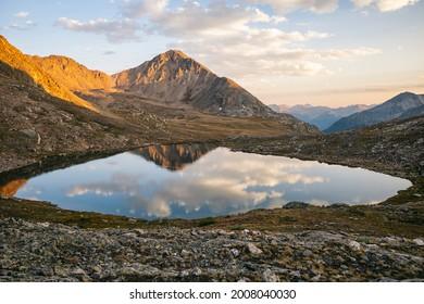 Alpine lake in the Hunter-Fryingpan Wilderness, Colorado