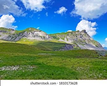 Alpine peaks Chli Haupt Murmelchopf and Haupt or Brünighaupt (Bruenighaupt oder Brunighaupt) in the Uri Alps mountain massif, Melchtal - Canton of Obwalden, Switzerland (Schweiz)