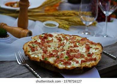Alsace Tarte Flambée - Flammkuchen