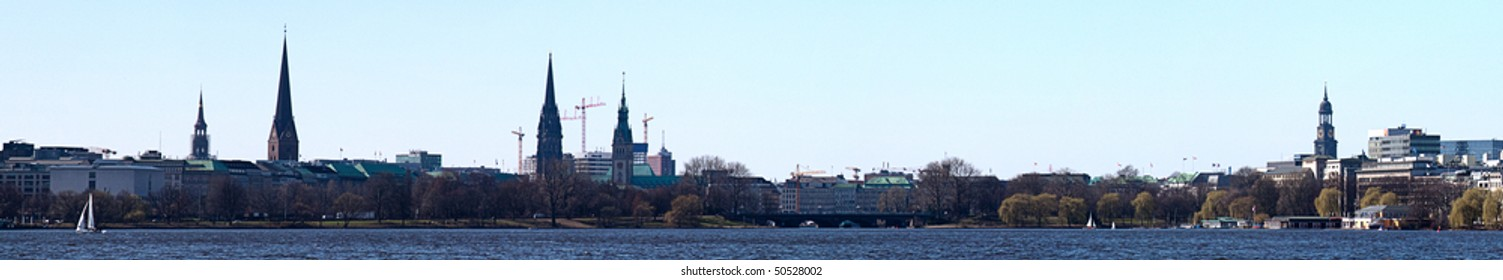 Alster: Panoramic view of the Alster lake in Hamburg