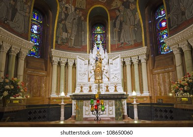 Altar of basilica Sainte-Anne de Beaupre
