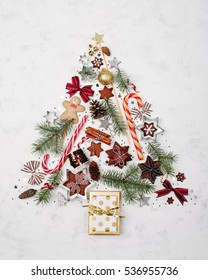 alternative christmas tree made from cookies and christmas decorations - Alternative Christmas Tree Decorations