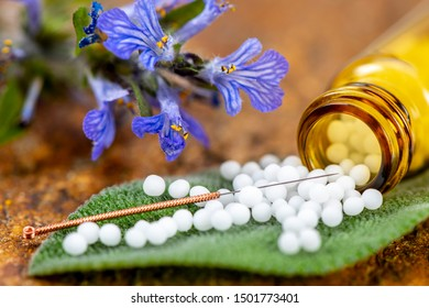 alternative medicine with homeopathy and herbal pills
