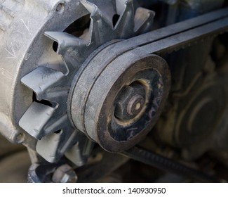 alternator belt on the car