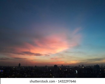 Altostratus, looks thick And covered the sky with a wide area Usually gray, because it obscures the sunlight, seen in the evening as orange.