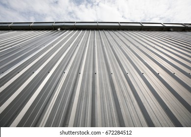 Aluminium Metal sheet roof with the cloud and sky