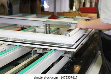 Herstellung von Aluminium und PVC-Fenstern