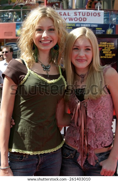"""Alyson Michalka and Amanda Michalka 'Aly & AJ' at the """"Thunderbirds"""" Premiere held at the Universal Studios Cinemas in Universal City, California United States on July 24, 2004."""