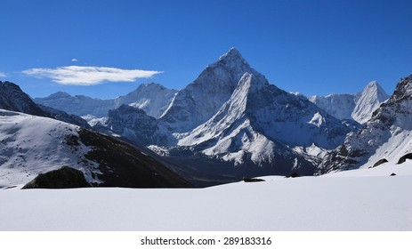 Ama Dablam, view from Dzonghla