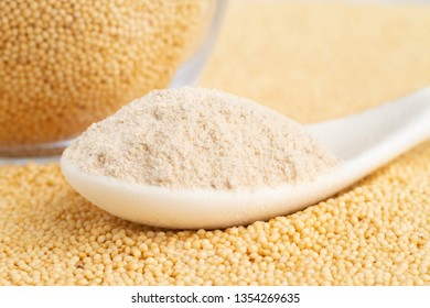 amaranth flour in bowl, superfood close-up image