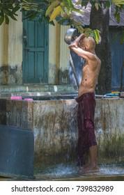 AMARAPURA , MYANMAR - SEP 03 : Monk at the Mahagandayon Monastery in Amarapura Myanmaron September 03 2017 , Mahagandayon Monastery has 2000 monks at any given time.