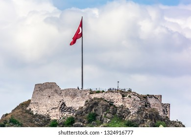Amasya Castle is on Mount Harşena which covers the north of Amasya city center. According to some historians, the castle was built by King Mithridates of Pontus.