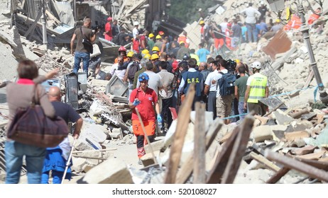 Amatrice - Rieti - Italy - 24/8/2016 - The old town of Amatrice destroyed by the earthquake with rescuers digging with bare hands through the rubble