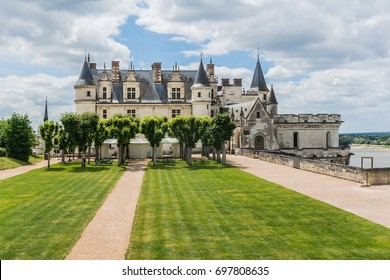 Amazing garden near Chateau d'Amboise (late 15th century); UNESCO World Heritage Site. Amboise, Indre-et-Loire, Loire Valley, France.
