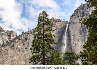 amazing landscape from yosemite waterfalls, california