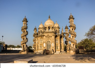 The amazing mosque  of Bahar-ud-Din-Bhar was build in the 19th century in Junagadh, Gujarat, India.