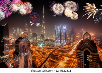 Amazing New Year fireworks display in Dubai, UAE