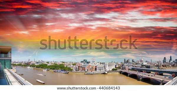 Amazing panoramic view of London at sunset, United Kingdom.