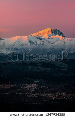 ecdefef88269 Amazing Sunset Over the Corno Grande Mountain - Campo Imperatore - Abruzzo