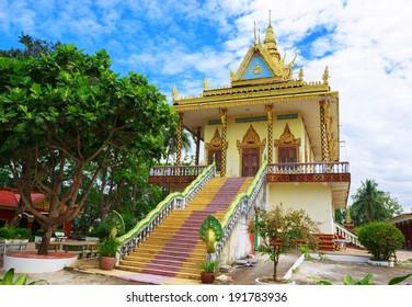 Beeindruckende Aussicht auf Wat Leu in Sihanoukville, Kambodscha