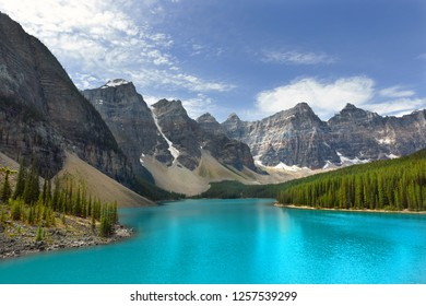 Amazing view of the Wenkchemna Peaks with reflection on Moraine Lake, Banff, Rocly Mountain, Canada