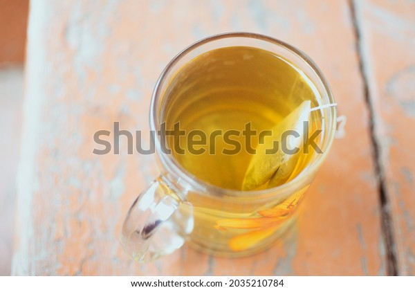 amber-yellow-tea-green-bag-600w-20352107