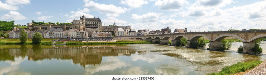 Amboise, France: Along the route of the castles on the Loire River - Ville d'Amboise et le Chateau d'Amboise