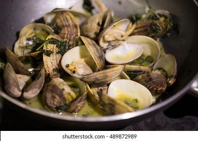 Ameijoas de Sao Jorge a Bolhao Pato, typical Portuguese food