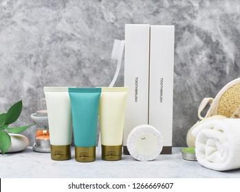 équipement pour le service hôtelier, produits cosmétiques