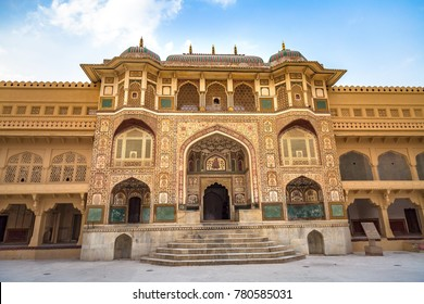 Amer Fort Jaipur Rajasthan main entrance with intricate artwork.
