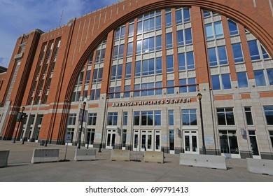 AMERICAN AIRLINES CENTER DALLAS AUGUST 2017: The AAC is a multi-purpose arena, used for sports and concerts. It is located in Victory Park near downtown Dallas, Texas. and opened in 2001. 8-20-2017
