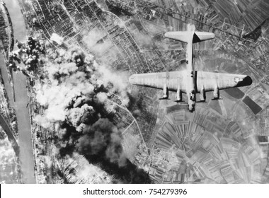American B-17 flying fortresses bombs Ludwigshafen chemical and synthetic oil works, Germany. World War2, Sept. 29, 1944.