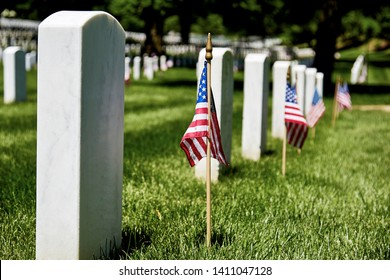 American flags on gravesites to honor fallen soldiers