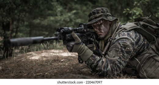 American soldier - waiting for target.