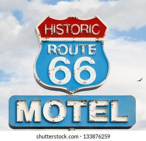 american syule of life, motel spirit in historic 66 road