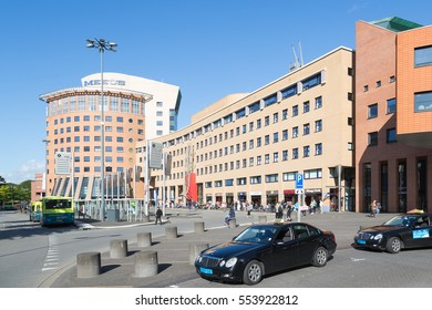 AMERSFOORT - SEPTEMBER 12: Station square of Amersfoort with taxis and buses on September 02, 2012 in Amersfoort, The Netherlands