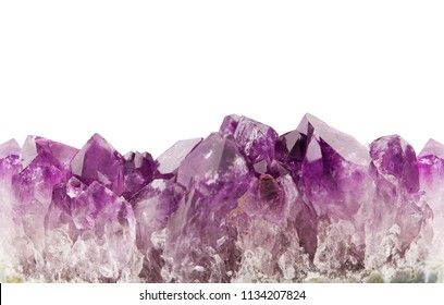 Amethyst background seamless horizontal repeating, natural prism gemstone isolated on white background.