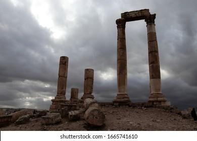 Ciudad de Amán en Jordania en un día tormentoso
