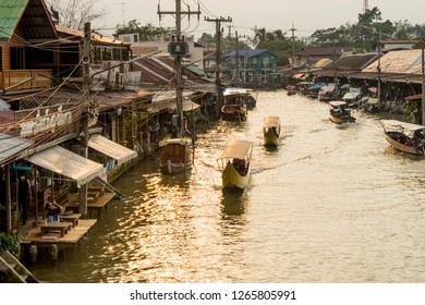 AMPHAWA, THAILAND - DEC 10, 2018: Amphawa Floating Market, the most famous market place in the floating market and cultural and river attractions in Amphawa, Samut songkhram Thailand.