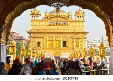 AMRITSAR, INDIA - DECEMBER 17: Sikh pilgrims in the Golden Temple during celebration day in December 17, 2007 in Amritsar, Punjab, India. Harmandir Sahib is the holiest pilgrim site for the Sikhs.