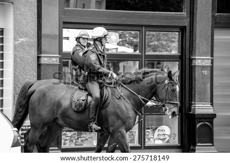 4891518fb AMSTERDAM MAY 18 Mounted Police Officers Stock Photo (Edit Now ...