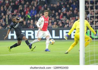 Amsterdam, Netherlands. 20th January 2019. Ajax midfielder Dusan Tadic runs with the ball during the game against Heerenveen for a match in the Dutch first division. Amsterdam, Netherlands, January 20