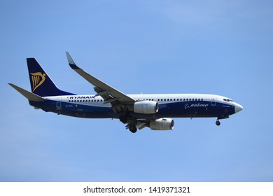 """Amsterdam, the Netherlands - June, 1st 2019: EI-DCL Ryanair Boeing 737-800, painted in """"Dreamliner"""" special colours, final approach to Polderbaan runway at Schiphol Amsterdam Airport, the Netherlands"""