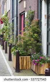 Amsterdam walkway impassable for pedestrians