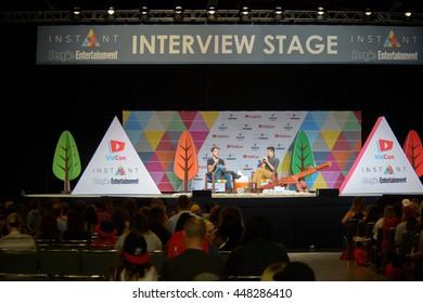 Afbeeldingen, stockfoto's en vectoren van Vidcon   Shutterstock