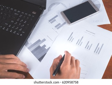 analysing financial reports