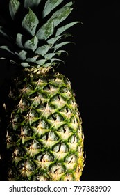 Ananas Makro with black background