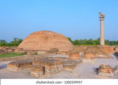 Ananda Stupa and Asokan pillar at Kutagarasala Vihara, Vaishali, Bihar, India