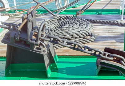 Anchor winch mechanism with chain in ship
